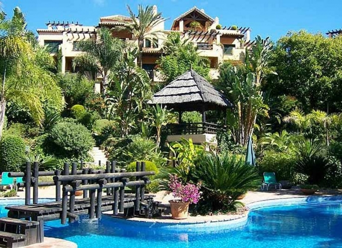 Apartment Ground Floor in Estepona - 2